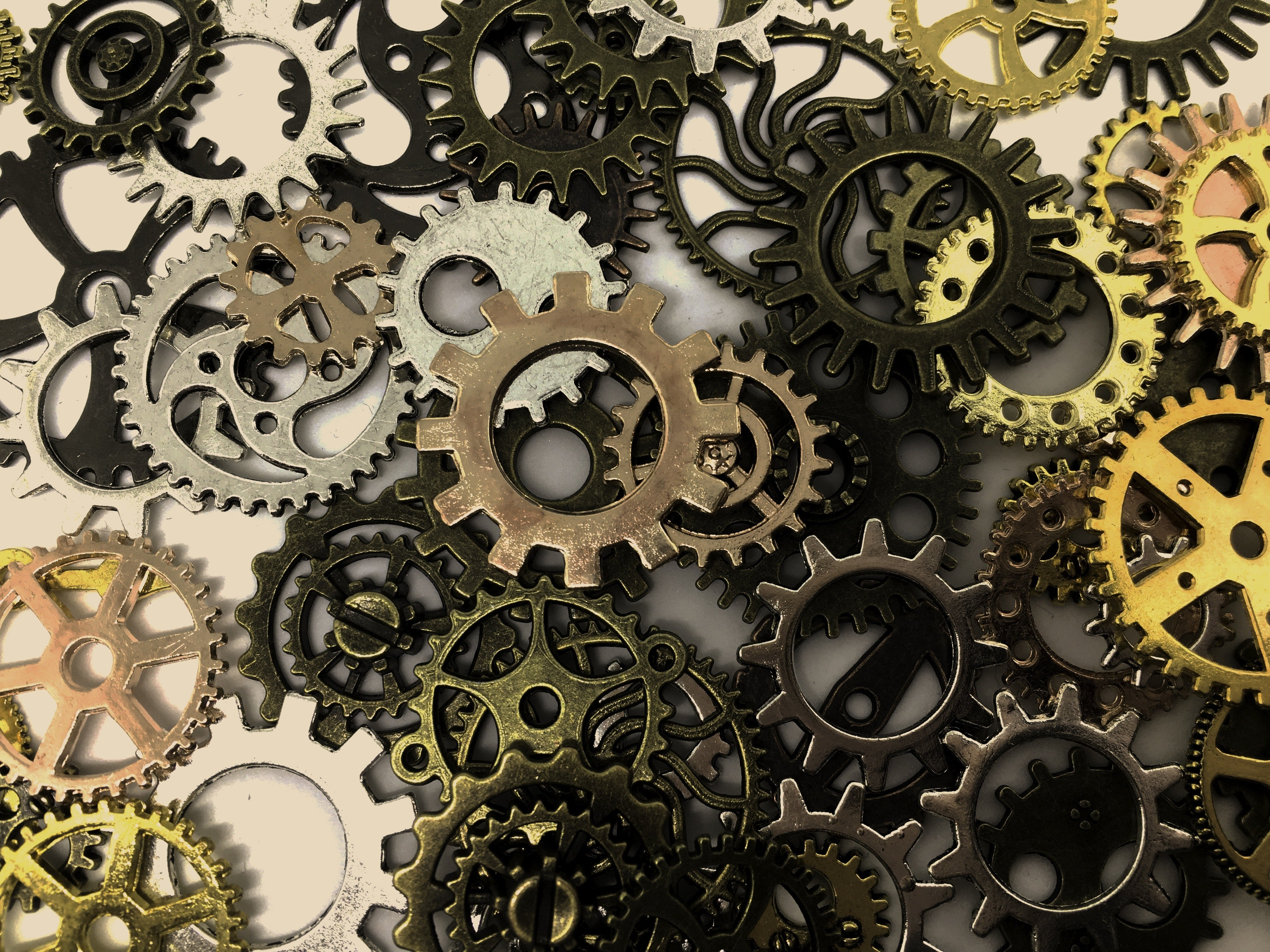 new-now-salvage-yard-art-clockwork-cogs-414579